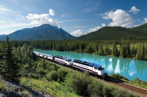 Rocky Mountaineer-Mountain Explorer